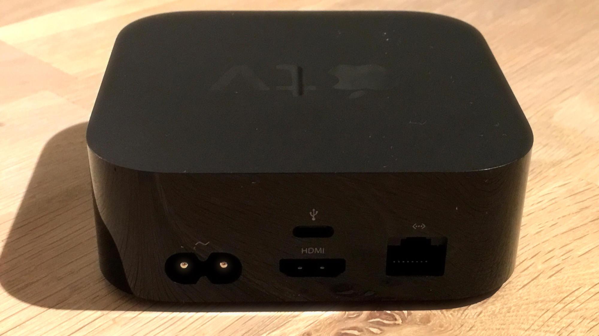 Apple TV - bakhlið